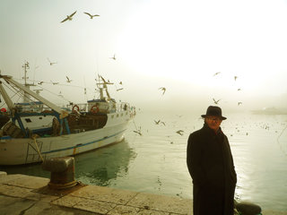 KATE MOXHAM - PHOTOGRAPHY - 2009-Mar3-Trani010-adj-dodge